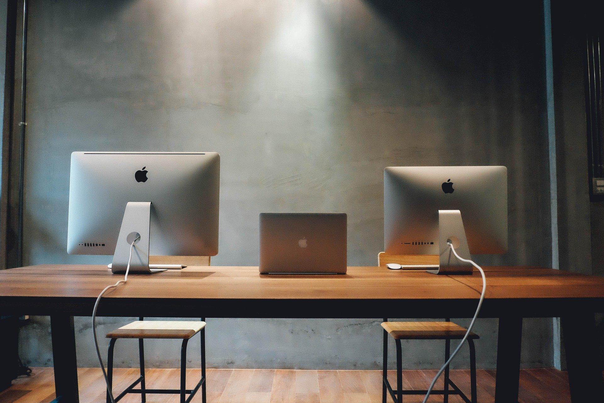 workspace-820315_1920